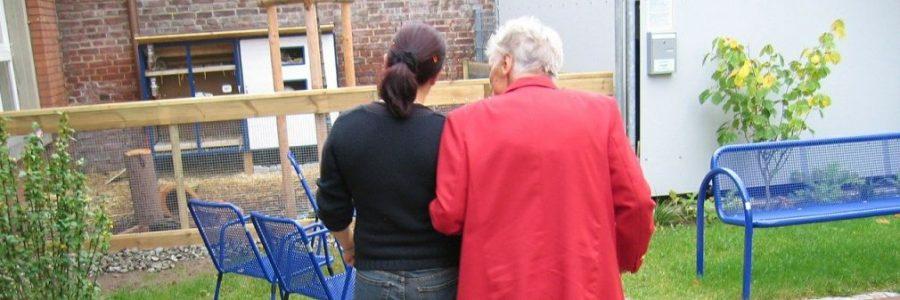 מצלמות נסתרות לתיעוד פגיעה בקשישים