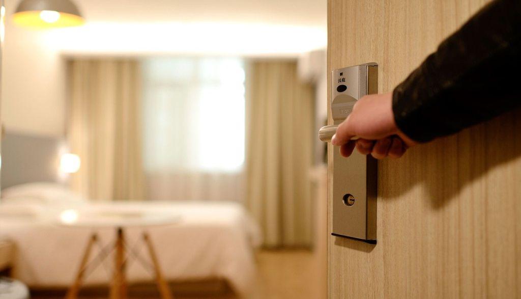 בתי נופש ומלונות עם מצלמות נסתרות